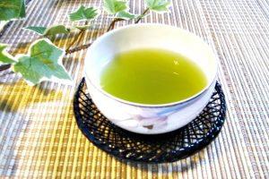ミョウバン 緑茶 併用